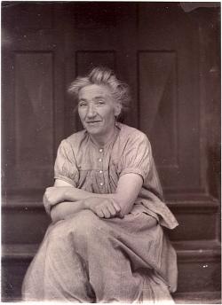 Stella, baderska i Lysekil. 1880-tal. Foto: Carl Curman.
